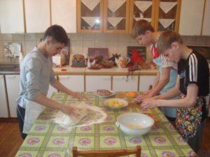 D:\алфавит\Ф\Фото\кабинет домашних умений\ужин готовим сами 1 отряд 10.04.16\DSC09374.JPG
